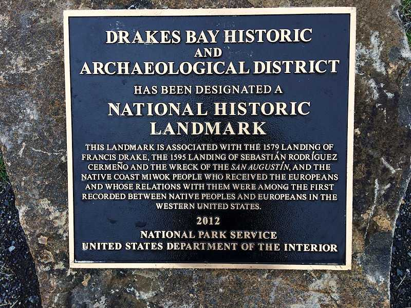 National Historic Landmark commemorating and honoring Francis Drake, Sebastian Rodriguez Cermeño, and Coast Miwok people at Point Reyes, California. (© Pcvjamaica, CC BY-SA 4.0)