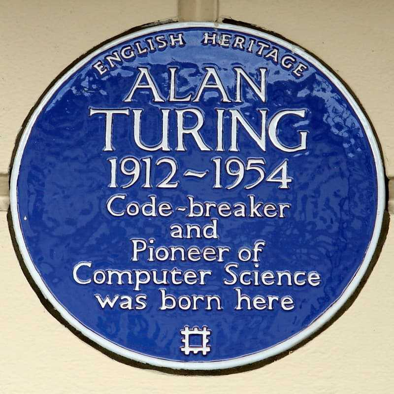 Alan Turing blue plaque on the Colonnade Hotel, London, England, his 1912 birthplace, installed in 1998. (© Simon Harriyott, CC BY 2.0)