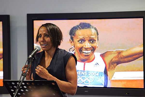 Kelly Holmes at a Sport & Technology conference in 2009 (© SportBusiness, CC BY2.0)