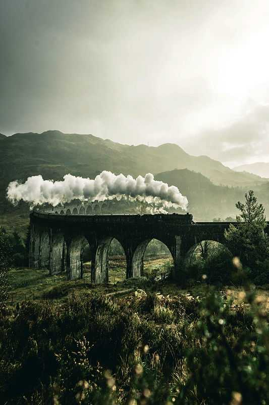 The Glenfinnan Viaduct became an iconic place after being part in the Harry Potter movies