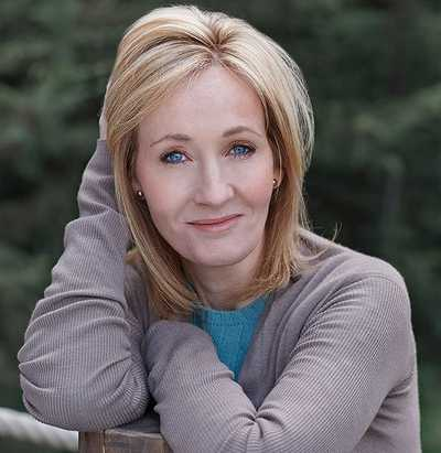 A photo of J.K. Rowling who is best known for writing the Harry Potter fantasy series, which has won multiple awards and sold more than 500 million copies (© S.macken6, CC BY-SA 4.0)