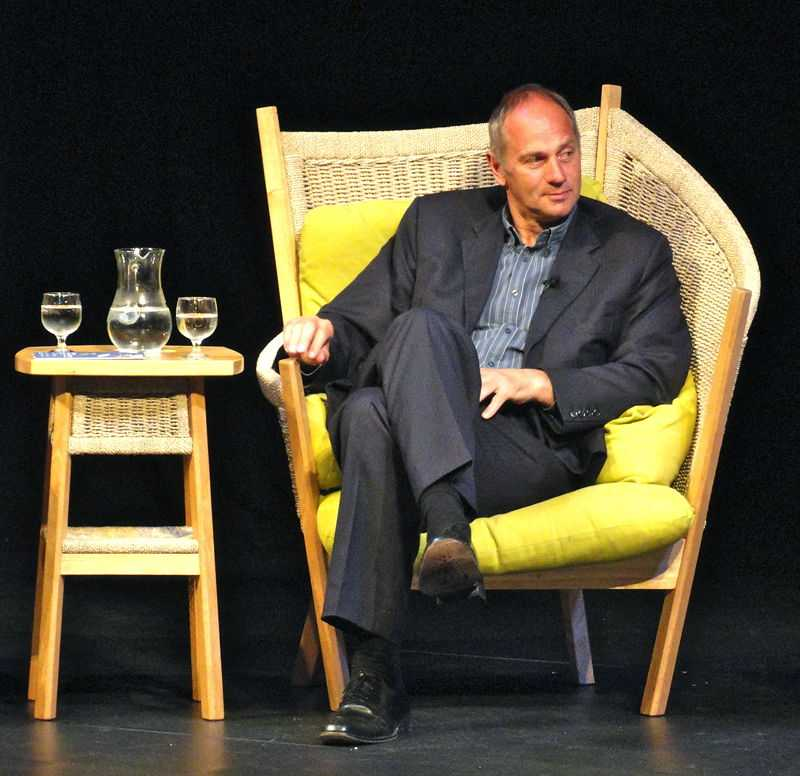Sir Steve Redgrave, British Olympic athlete, on stage in Salisbury, England. (© Phil Guest, CC BY-SA 2.0)