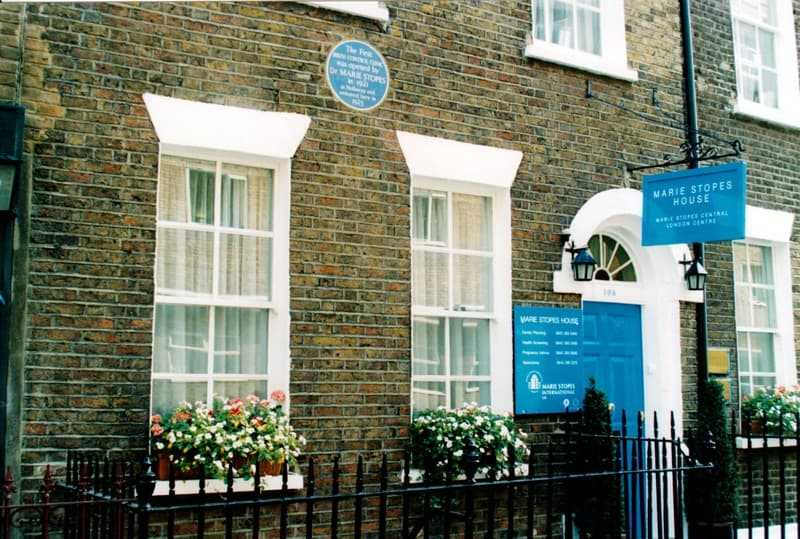 Marie Stopes House in Whitfield Street near Tottenham Court Road was Britain's first family planning clinic after moving from its initial location in Holloway in 1925. (© Kim Traynor, CC BY-SA 4.0)